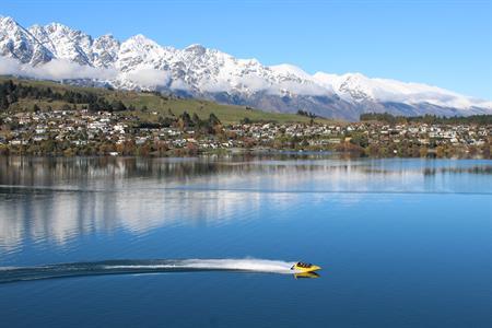 Winter jet boat Villa del Lago