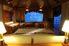 3a - Le Tahaa Island Resort & Spa -Sunset Overwate