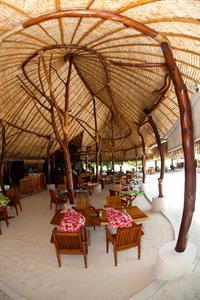 c - Le Tahaa Island resort & Spa - La Plage restau Le Taha'a Island Resort & spa