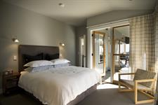 Villa east bedroom