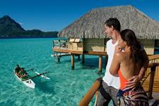 Bora Bora Romance - Tahiti Pearl Beach Resort - canoe breakfats (4) Bora Bora Pearl Beach