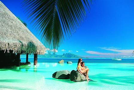 c - IC Tahiti Lotus Bar and Pool Intercontinental Resort Tahiti