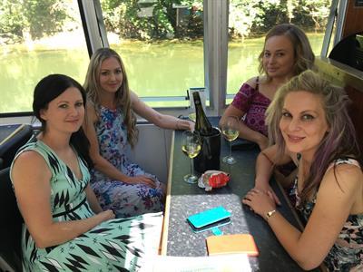 Girls afternoon Waikato River Explorer