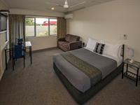 R1. Studio Gateway Motor Inn