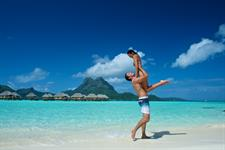 Beach and lagoon - Bora Bora Romance - Bora Bora Pearl Beach Resort & Spa -